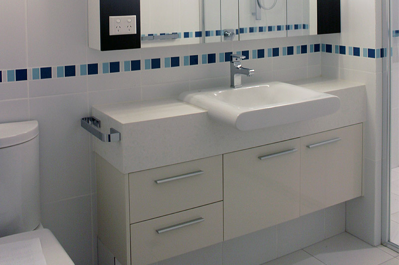 Ensuite vanity custom design